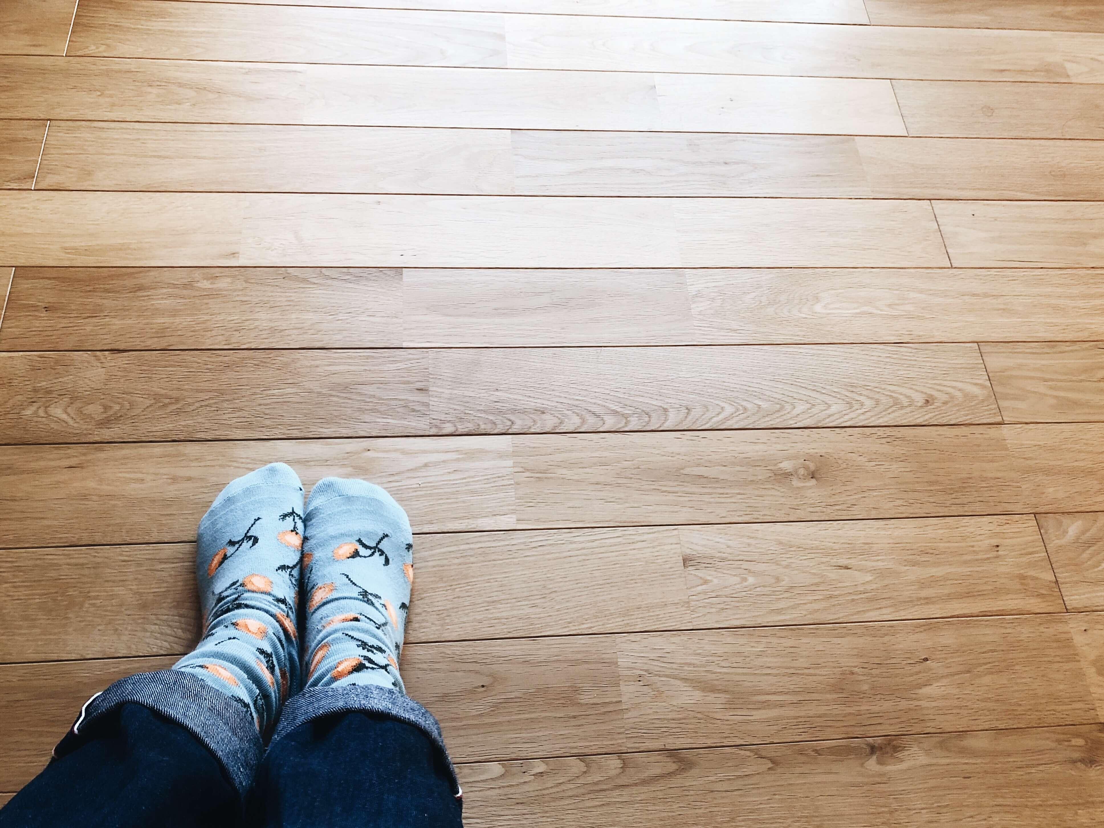 【注文住宅】ナラ材 無垢床の家に1年間住んでみてわかったメリット・デメリット